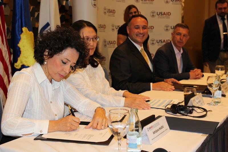 Мемораднум о разумевању и сповођењу петогодишњег пројекта потписало 14 локалних самоуправа