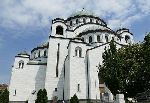 Sputnjik:  NATO planere iznervirala Srpska crkva