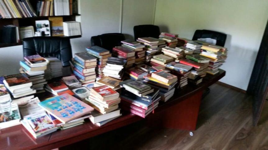 Студенти психологије донирали СКЦ 800 књига