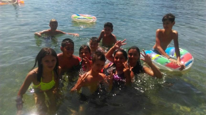 Деца са КиМ уживају на летовању у Котору