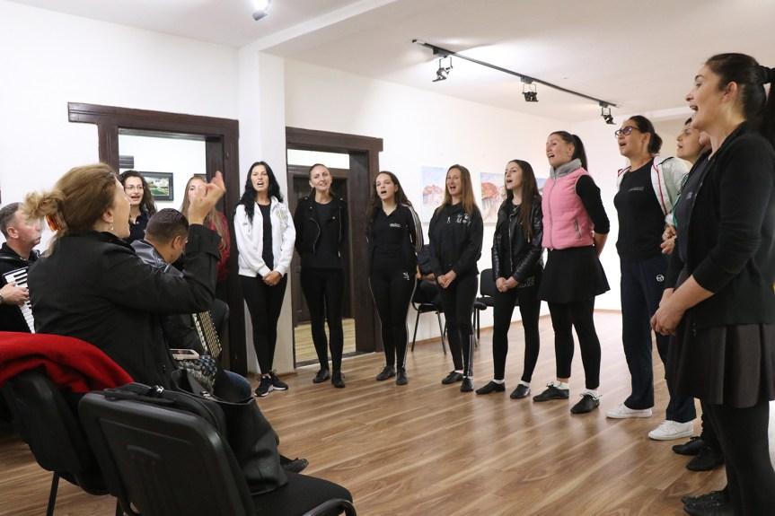 Српска песма у Приштини: Национални ансамбл Венац одржао пробу у Српском културном центру
