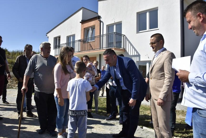 Подељени станови у Доњој Гуштерици
