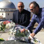 Дејан Савићевић положио цвеће на гроб Фадиља Вокрија