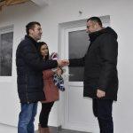 Максимовићима из Ливађа додељени кључеви нове куће