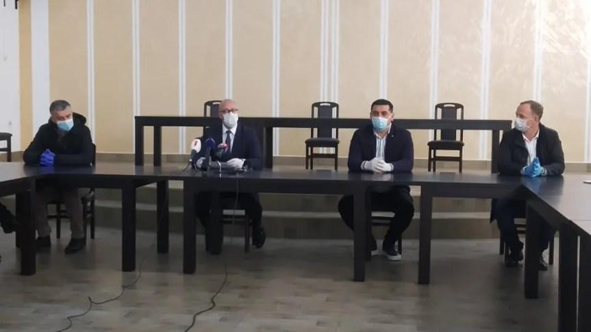 """Косовска Митровица и Звечан од вечерас """"подкарантин"""""""