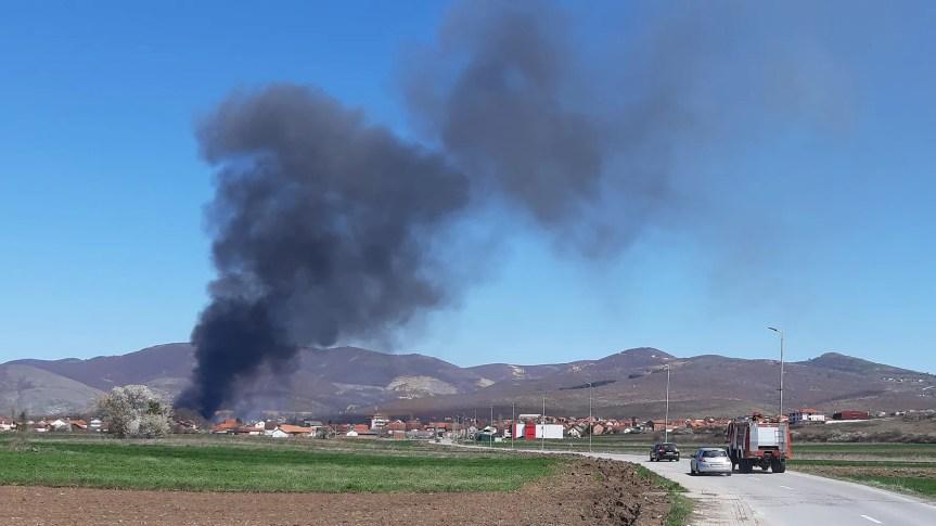 Пожар надомак Грачанице, нема повређених
