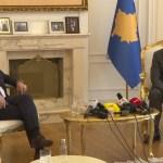 Хоти и Тачи против техничког дијалога; обраћање новинарима без превода на српски језик
