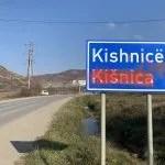 Натпис УЧК на табли уласка у Кишницу