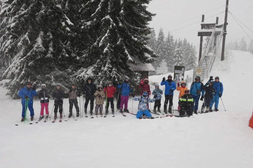 Ансамбл ВЕНАЦ, КИМКО и Скијалишта Србије организовали школу скијања на Копаонику