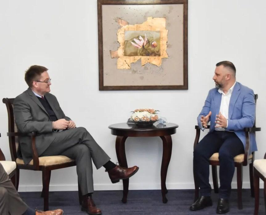 Јевтић и Абот о ситуацији на Косову