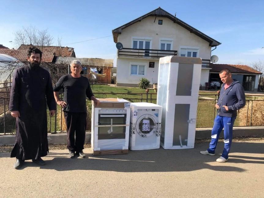Помоћ Епархије рашко-призренске породицама погођеним поплавама