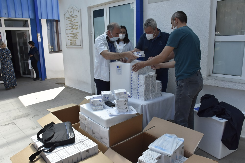 Болница у Грачаници добила реагенсе за лабораторијску дијагностику оболелих од COVIDA-19