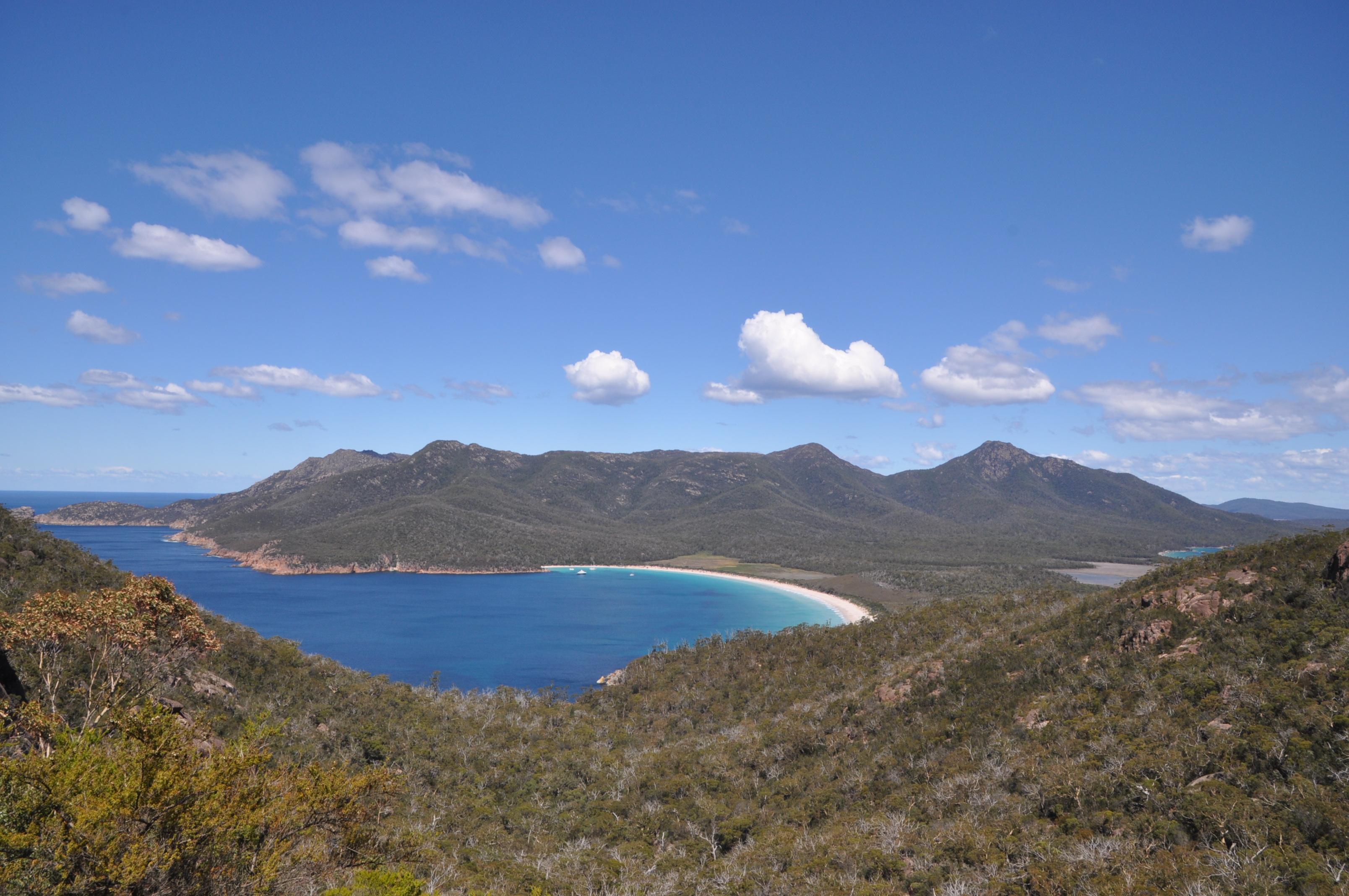 澳洲 塔斯。生蠔農場 & 酒杯灣 Tasmania Oyster farm & Wineglass Bay – Adventurous Grace