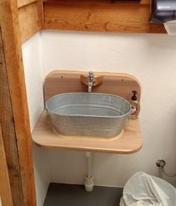 Wash tub Sink