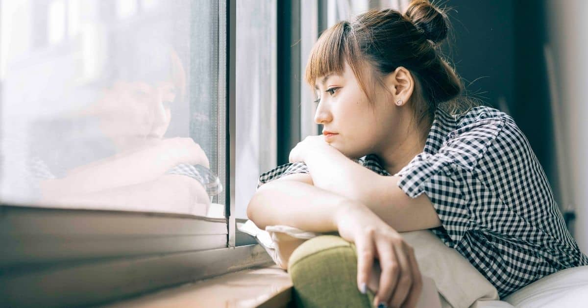 What to do in the Moment When You Feel Lonely + 3 Things Not to Do