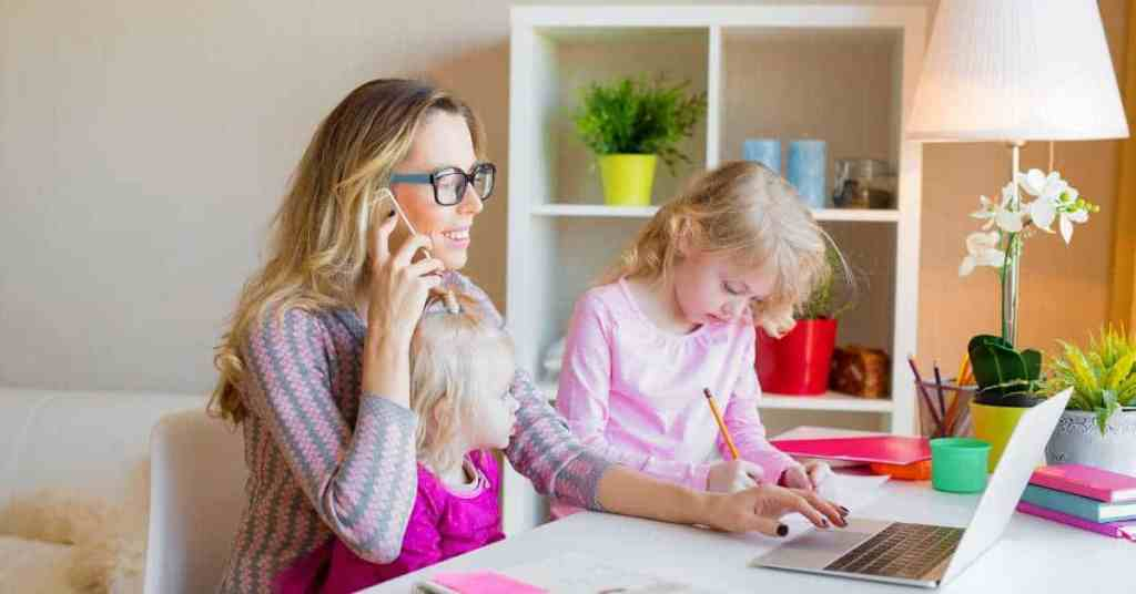 mom work from home with kids