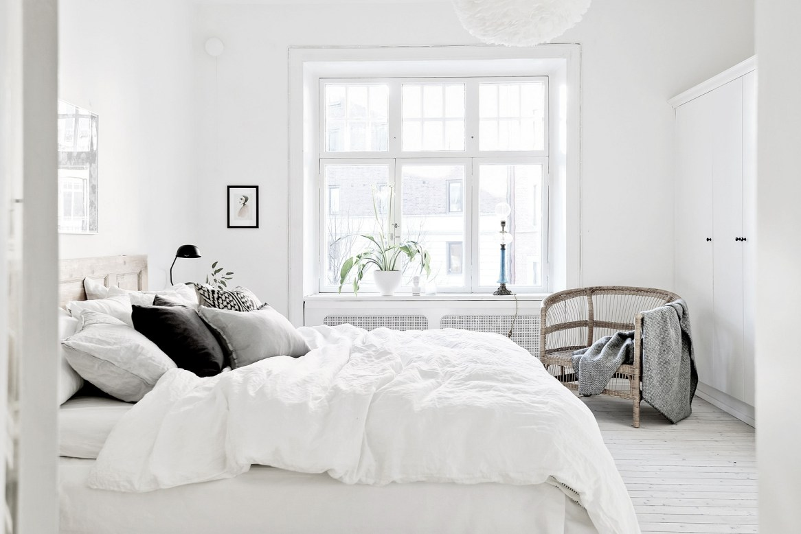 Minimalist Monochrome Interior Look - Bedroom