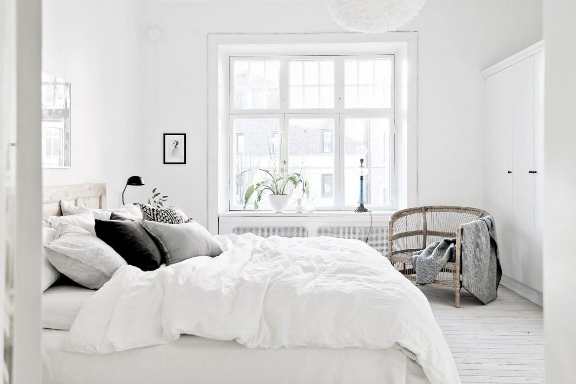 Minimalist Monochrome Interior Look - Bedroom