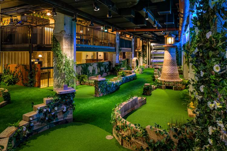 Unique London Date Ideas - Swingers Crazy Golf
