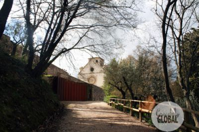 The nature trail leading from the upper piazza of the Basilica of San Francesco d'Assisi