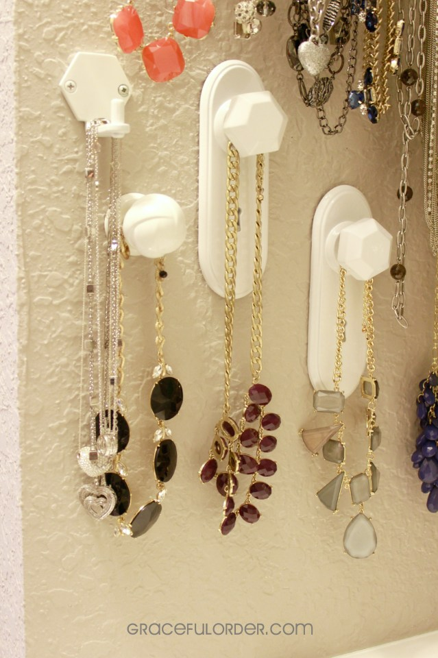 Organizing Chunky Necklaces