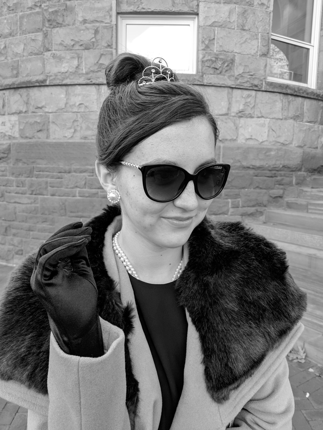 fabulous coat fur collar black sunglasses mini tiara