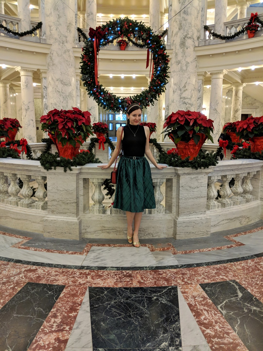 green midi skirt black blouse Idaho capital building