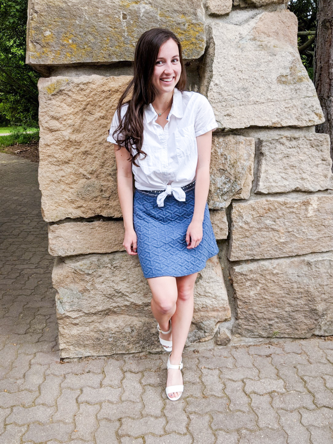 blue and white outfit, blue skirt, white blouse, white heels
