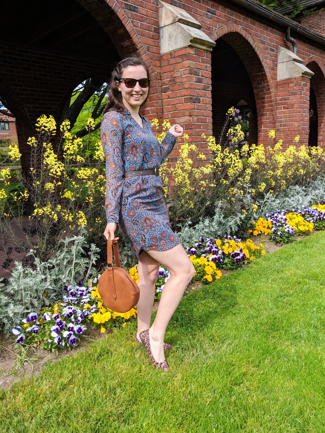 University of Puget Sound, spring flowers, blue dress, brown purse