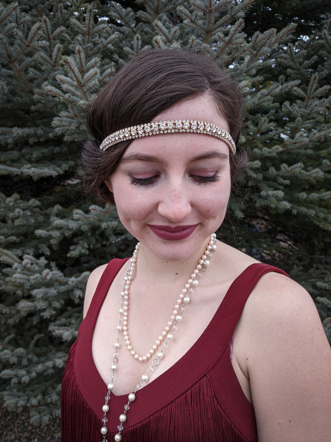 flapper girl makeup, flapper girl accessories