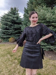 all black outfit, fun sleeves, Jane Sloan style