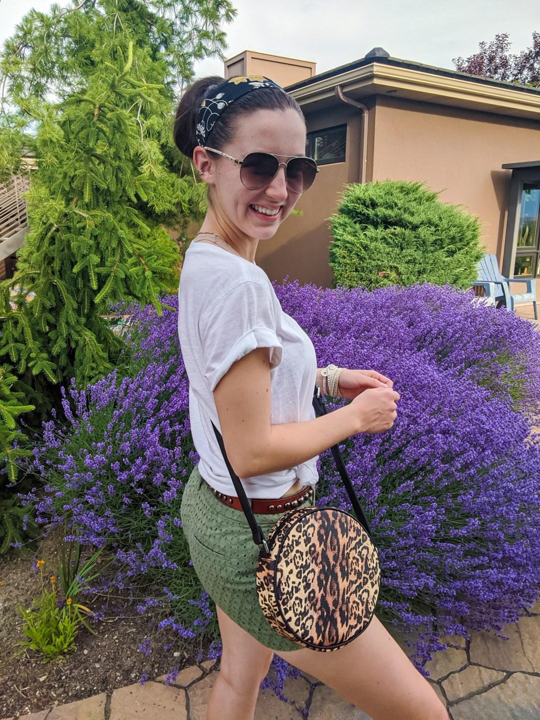 shorts-shopping-headband-leopard-circle-purse