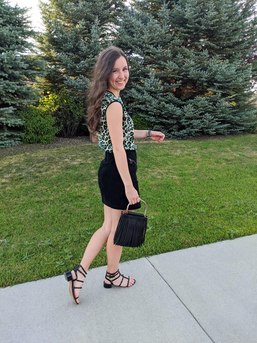 black-corduroy-skirt-black-sandals-college-fashion