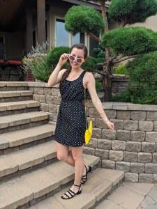 dotted-sunglasses-black-wavy-sandals-macys-college-blogger