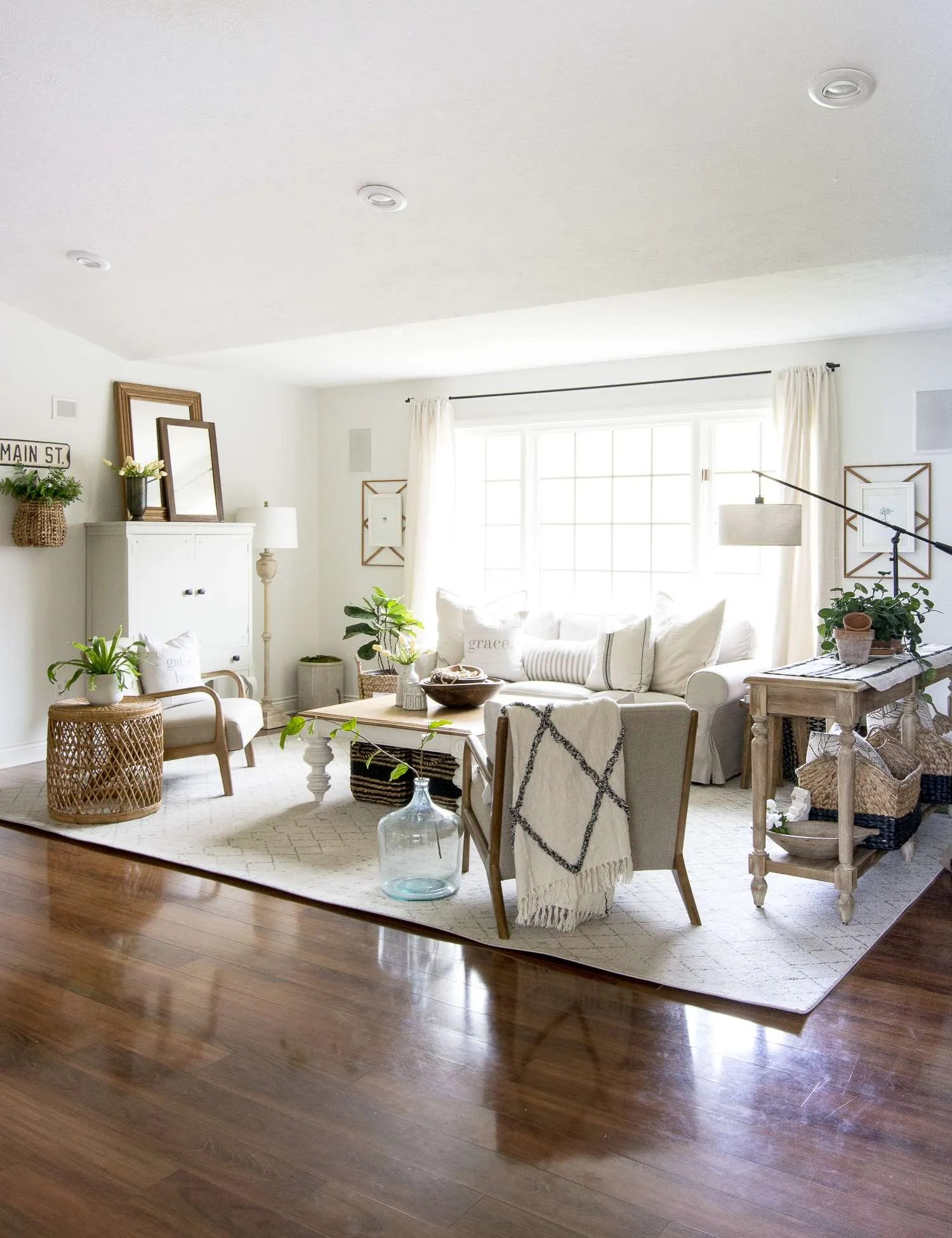 How to Get the Modern Farmhouse Living Room Look   Grace In My Space
