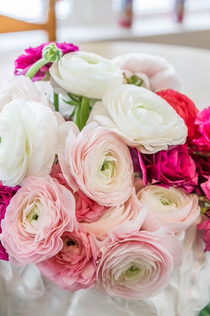 Making A Stunning Ranunculus Arrangement Grace In This Space