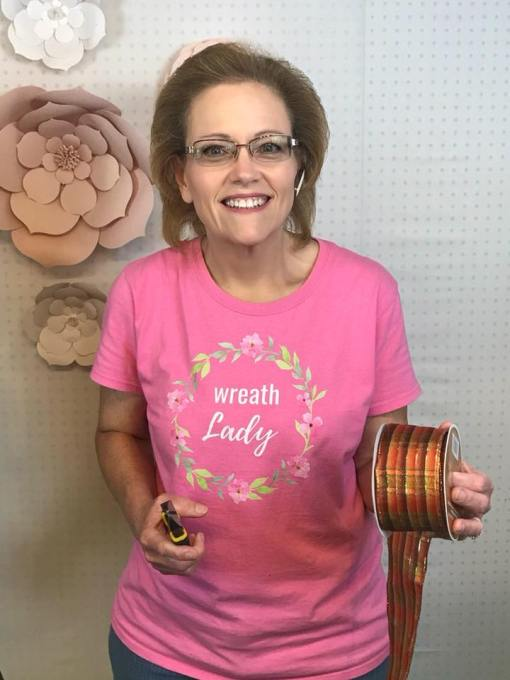 Are You a Wreath Lady? Thiswreath lady shirt is the perfect way to promote your wreaths at craft fairs and trade shows!