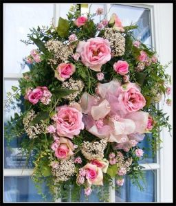 Tips for Choosing Flowers for Wreaths