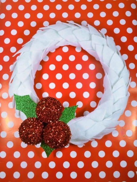 How to Make a Felt Wreath - Fun Wreath Ideas for Your Door!