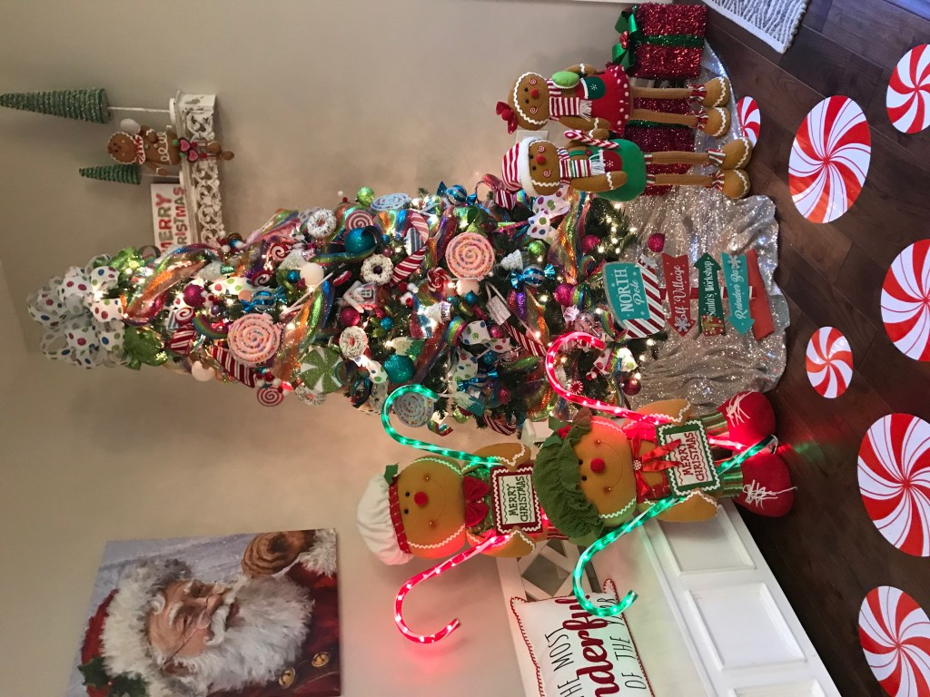 How to Decorate a Candy Christmas Tree