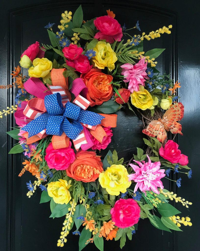 Learn How to Make a Pretty Wreath for Summer