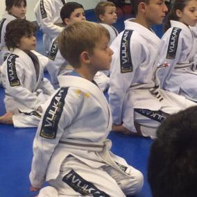 Crianças focadas