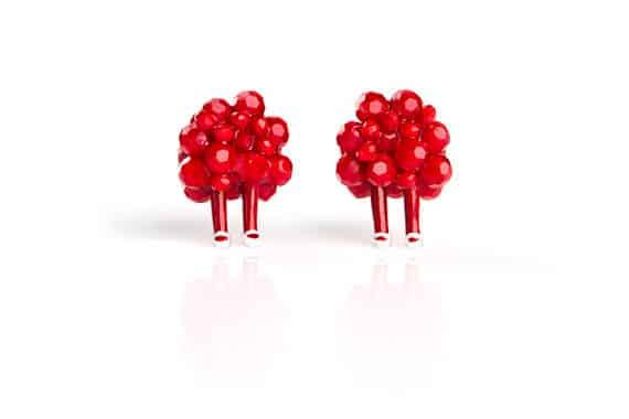 red earings,pearl hiaiy sock