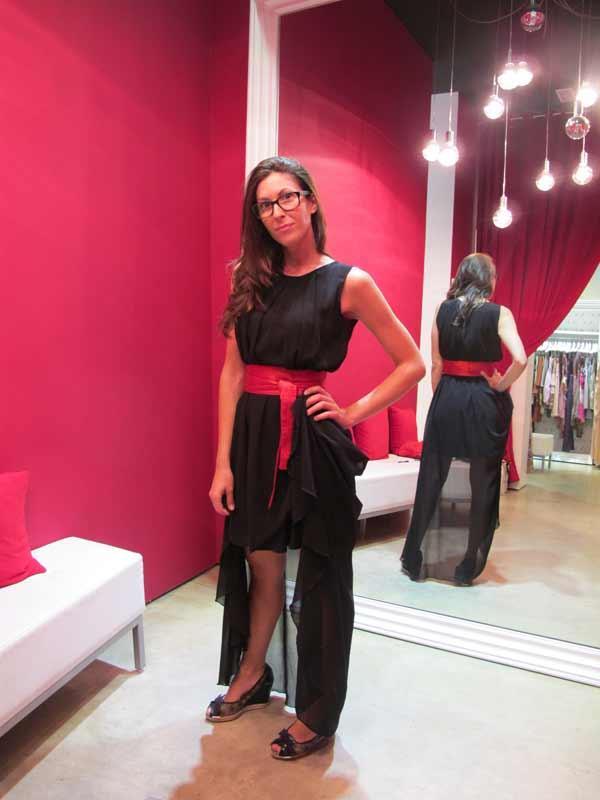 Veneno En La Piel - store manager Nuria