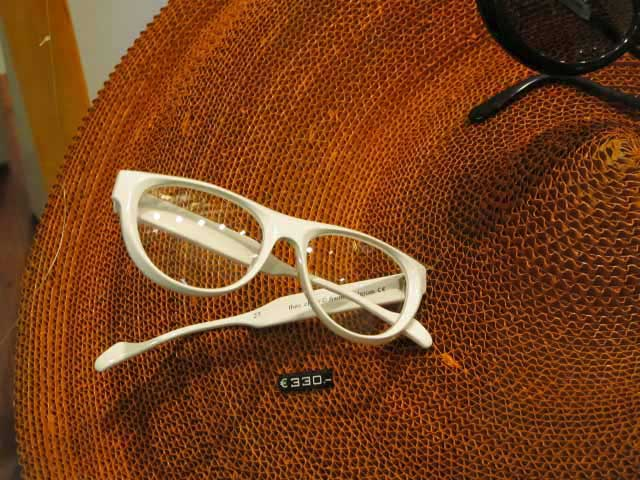 Theo Eyewear - Amazing Spectacles That Celebrities Adore (27)