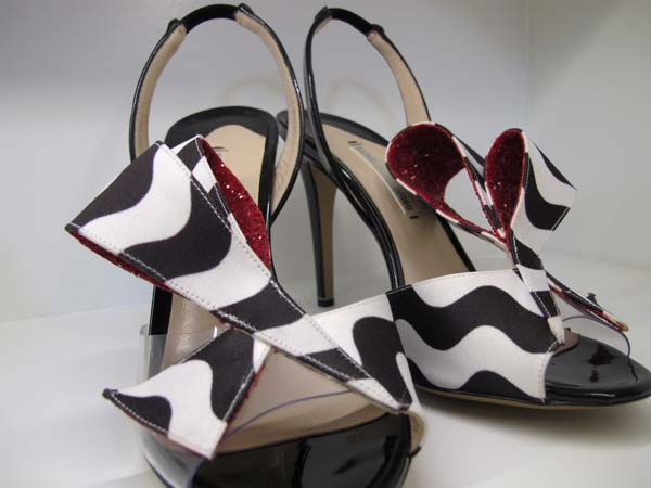 Nicholas Kirkwood  Shoes black and white