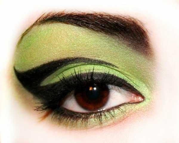 glamour-goth,-green-makeup