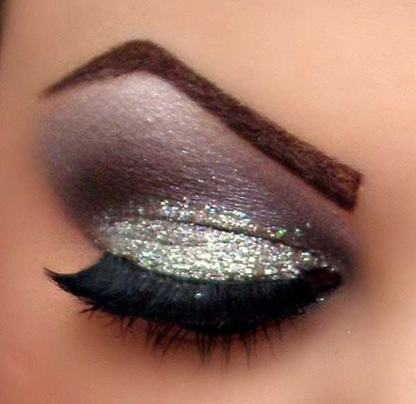 glamour-goth,-makeup,silver
