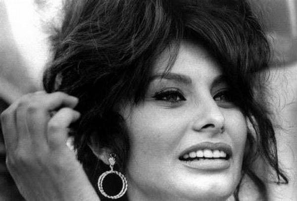 Sophia Loren - La Bella Fashionista (4)
