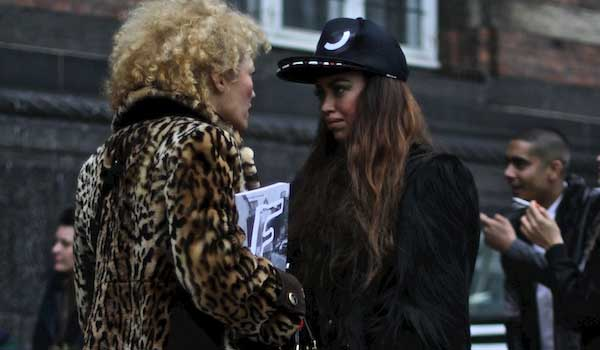 London Fashion Week 2013 – The Bloggers, Photographers in Action